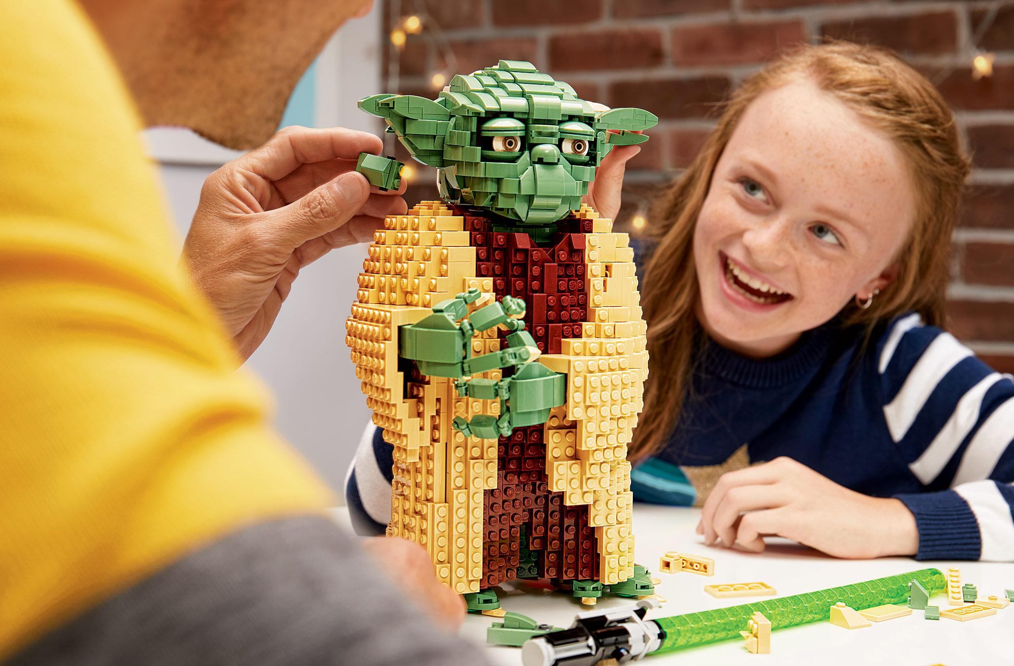 StarWarsYoda-Lego_LS_2080x1367