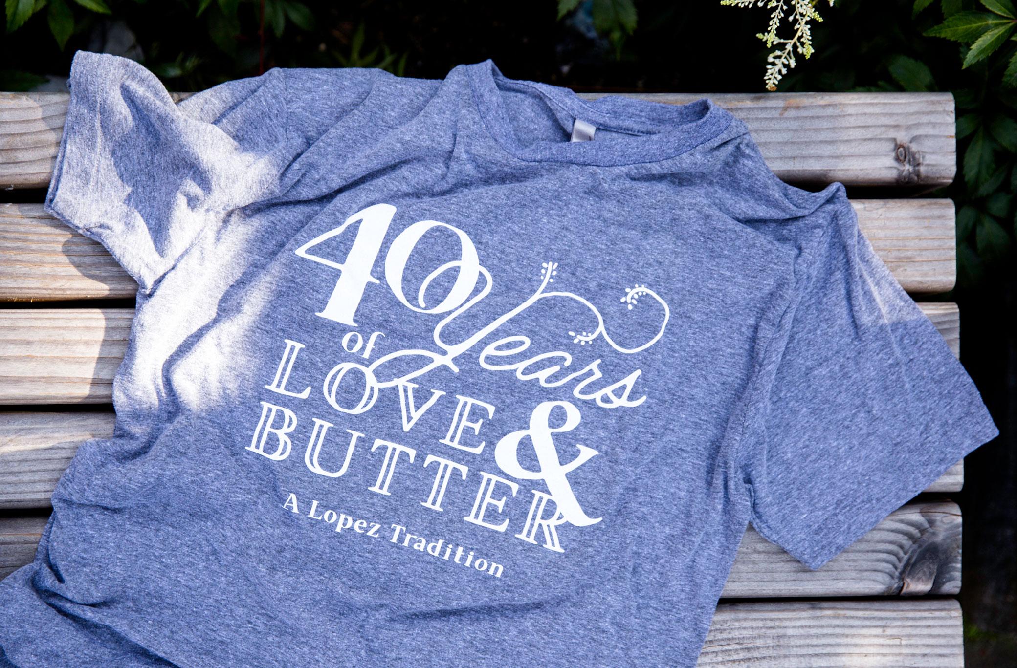 t-shirt_2080x1367